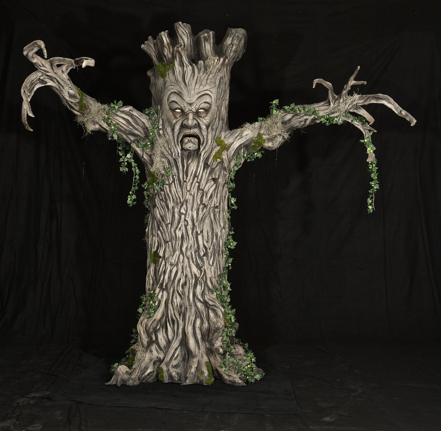 Evil Tree Halloween Prop - Horror Props